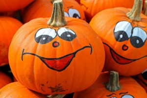 painted_pumpkins_happy_face_pic